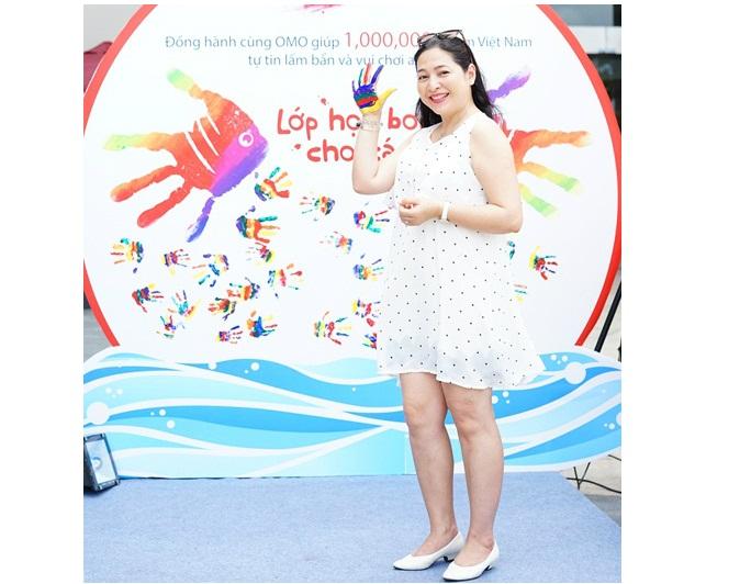MC Quỳnh Hương bật mí tuổi thơ sợ nước, không có điều kiện học bơi