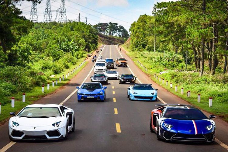 Dàn siêu xe trăm tỷ Car & Passion lăn bánh đến Tây Nguyên