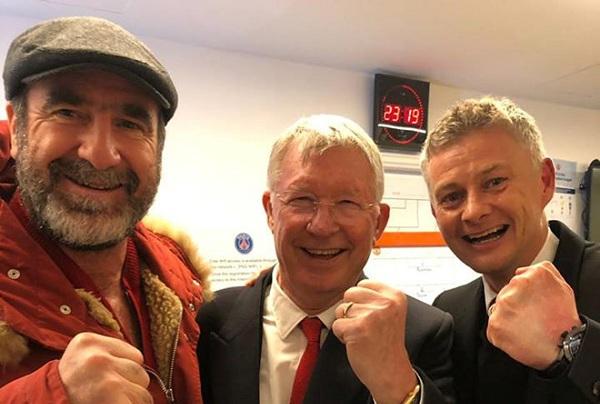 Hai huyền thoại Sir Alex và Cantona bất ngờ 'cùng quậy' trong phòng thay đồ của MU