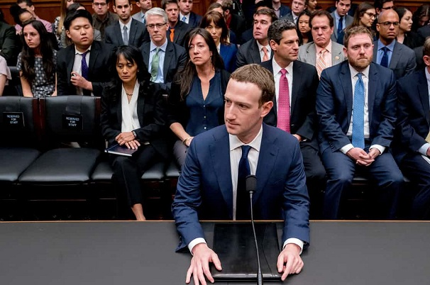"""Mark Zuckerberg bị mù màu """"đỏ"""", """"xanh lá cây"""" và 20 sự thật thú vị khác"""