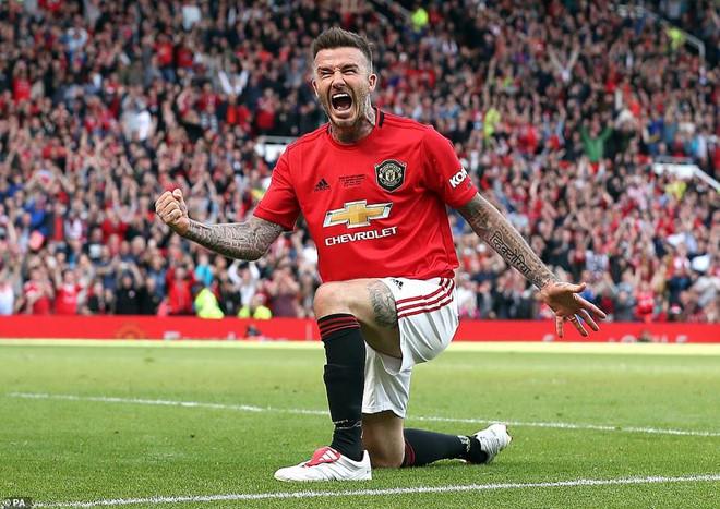 Beckham ghi bàn, huyền thoại M.U có chiến thắng 5 sao