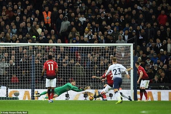[Highlights] Tottenham 0-1 Man Utd: Những pha cứu thua 'không tưởng' của De Gea