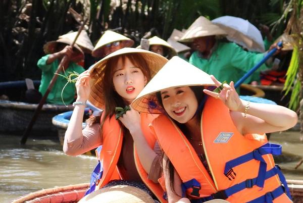 Du khách Hàn Quốc đến Việt Nam liên tục tăng đột biến