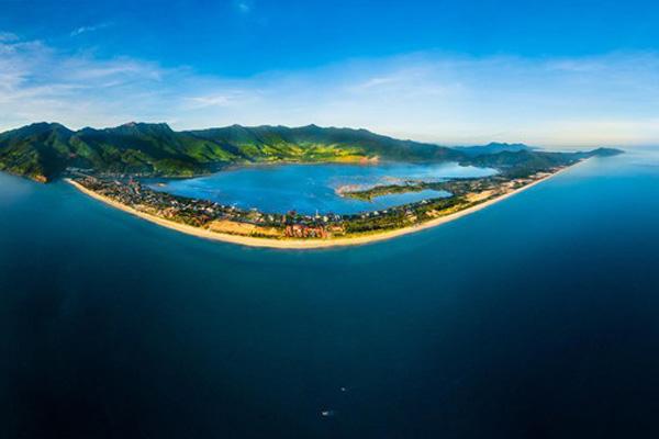 Tròn 10 năm Lăng Cô được công nhận là vịnh đẹp bậc nhất thế giới