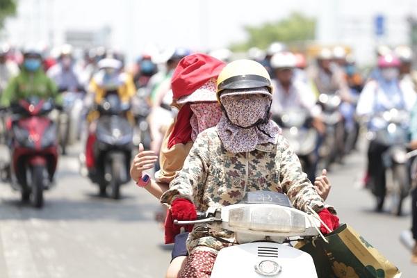 Hôm nay: Sài Gòn tiếp tục nóng 36-37 độ, miền Trung, miền Bắc 37-39 độ