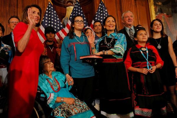 Nữ nghị sĩ gốc thổ dân đầu tiên phục vụ trong Quốc hội Mỹ