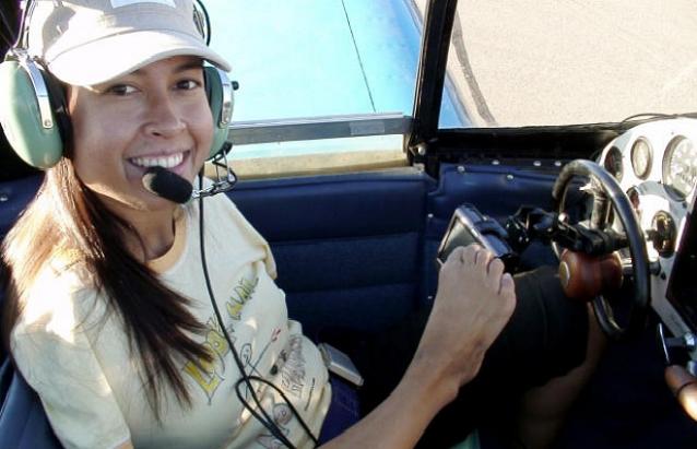 Nữ phi công không có cả hai tay khiến cả thế giới ngỡ ngàng