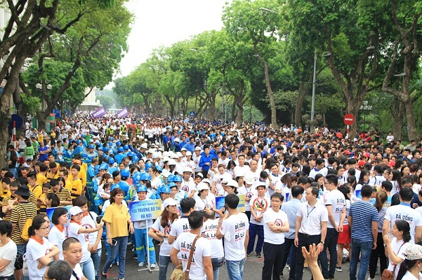 """5.000 người đi bộ hưởng ứng hành động """"Đã uống rượu bia - Không lái xe"""""""