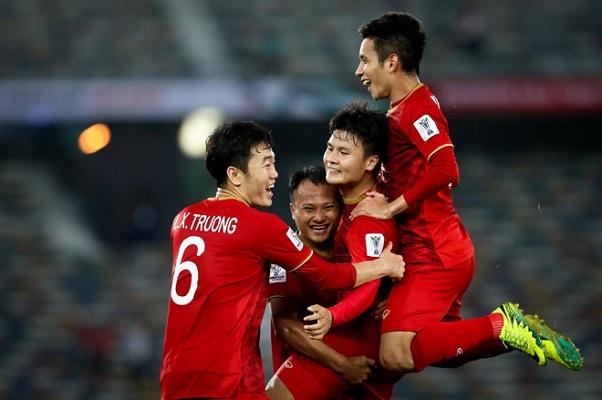 Bùi Tiến Dũng ở nhà, thầy Park mạo hiểm với danh sách đội tuyển Việt Nam dự King's Cup 2019?