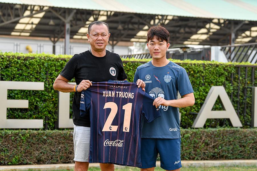 Những cầu thủ Việt Nam từng chơi bóng tại nước ngoài