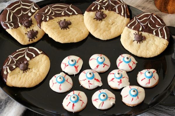 3 bước để tự làm những chiếc cookies Halloween ấn tượng