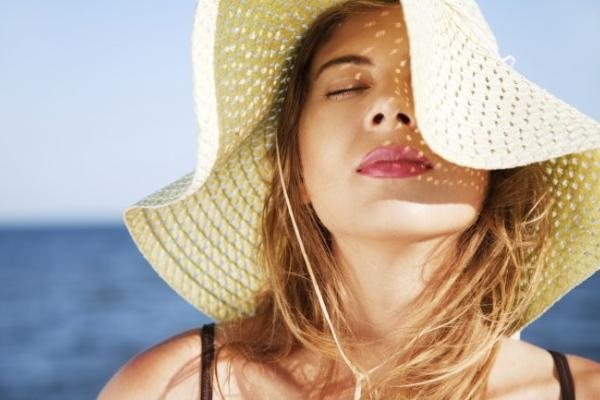 Lưu ý khi chọn kem chống nắng cho da dầu trong mùa hè