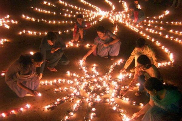 Khám phá lễ hội Diwali độc đáo nhất thế giới diễn ra ở Ấn Độ