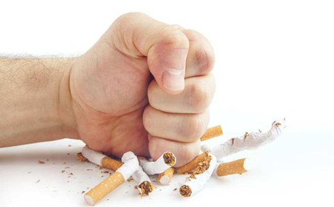 Muốn chồng cai nghiện thuốc lá, vợ treo thưởng 20 triệu