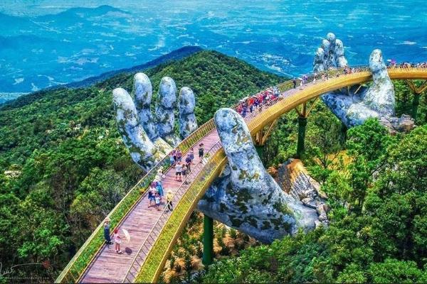 Cầu Vàng – Đà Nẵng, top những điểm đến kỳ thú nhất thế giới