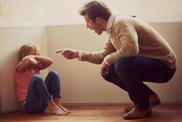 Hậu quả của việc cha mẹ hay quát nạt con