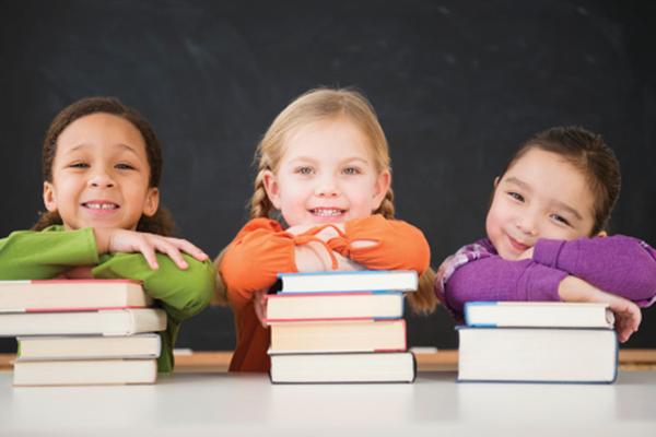 Dạy trẻ hình thành thói quen đọc sách