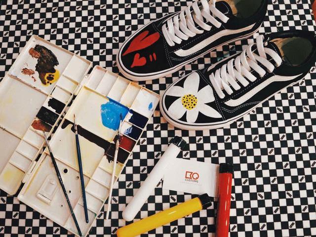 Người thổi hồn cho sneaker của giới trẻ Việt