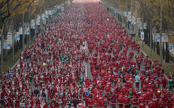 Không khí mùa Giáng sinh đang tràn ngập khắp thế giới