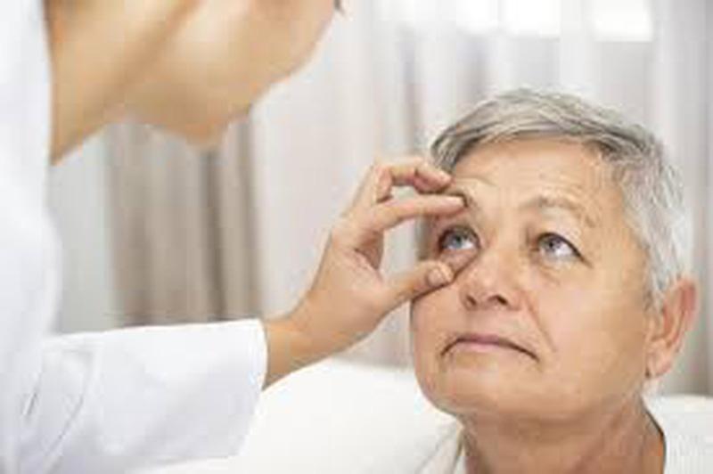 Khi có tuổi, chăm sóc mắt như thế nào?