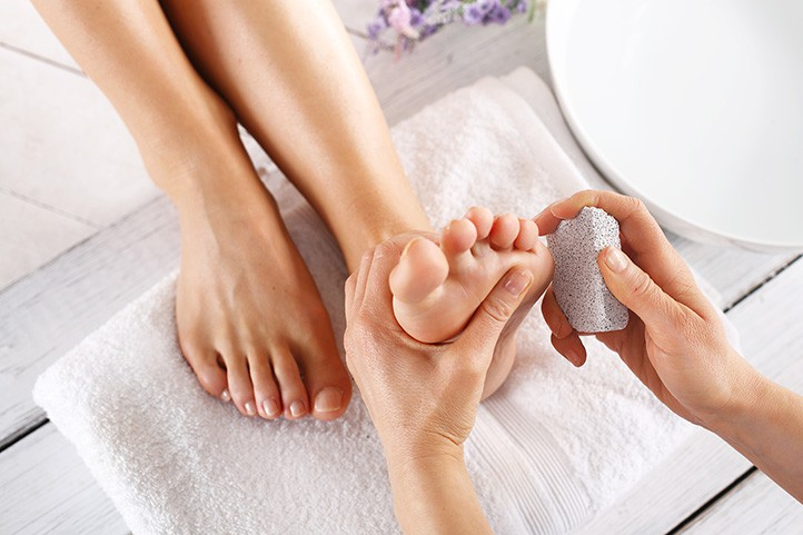 Nguyên liệu tự nhiên trị nứt nẻ gót chân