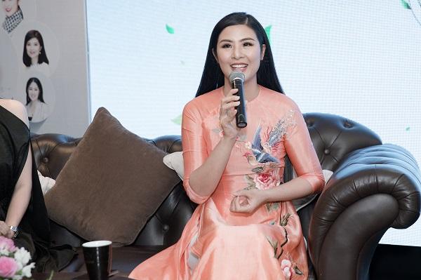 Ngọc Hân lần đầu trình diễn BST tại Duyên dáng Việt Nam 30