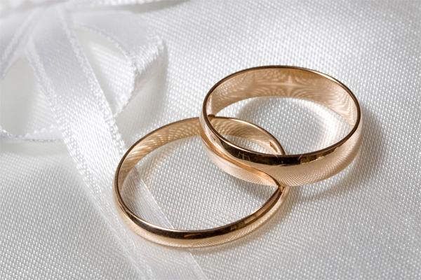 Bảo vệ trang sức cưới như thế nào?