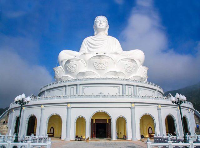 Chiêm ngưỡng tượng Phật ngồi cao nhất Đông Nam Á