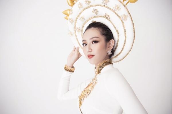 Nét trẻ trung và trí tuệ trong quốc phục Việt Nam tại Miss International 2018