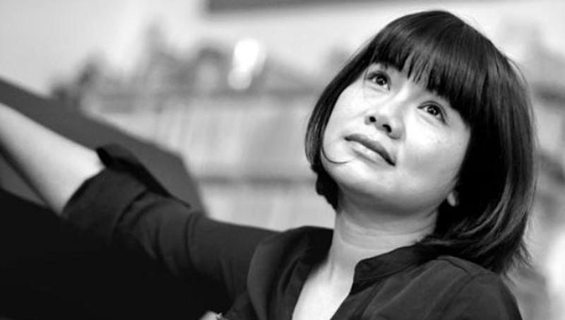 Giới thiệu thơ Phan Huyền Thư: Thức dậy tháng Tư