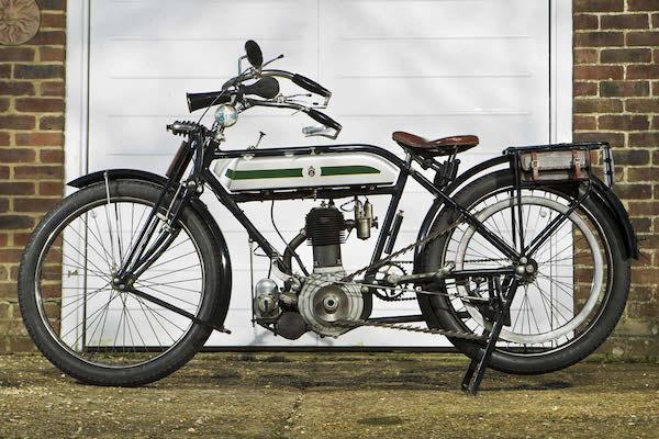Dòng xe Triumph - một phong cách mạnh mẽ từ những đường nét mềm mại