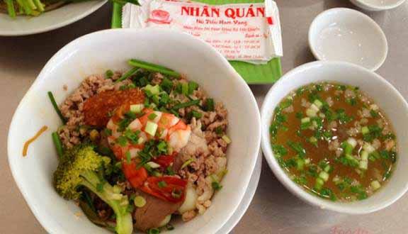 3 quán hủ tiếp Nam Vang luôn tấp nập khách ở Sài Gòn