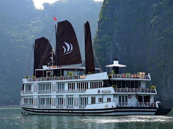 Trải nghiệm 24 tiếng đi du thuyền trên Vịnh Hạ Long