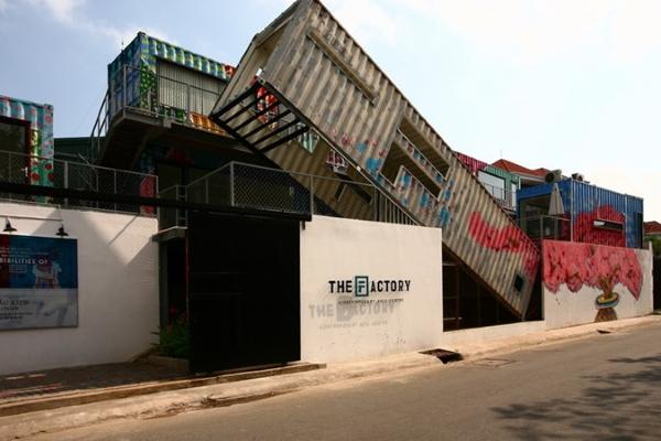 Độc đáo 'công xưởng nghệ thuật' làm từ container
