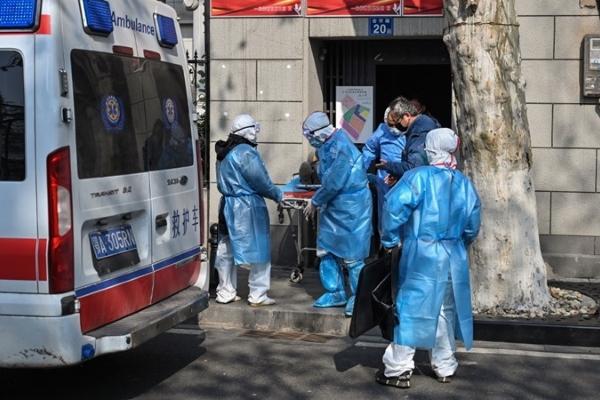 Số người chết vì virus corona lên 213