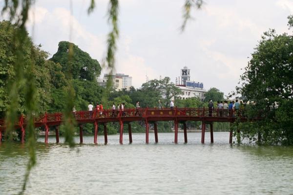 Phạt 300.000 đồng nếu hút thuốc tại 30 điểm du lịch ở Hà Nội