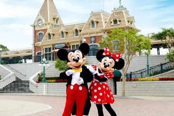 Người nhiễm virus corona có thể được cách ly ở công viên Disneyland Hồng Kông