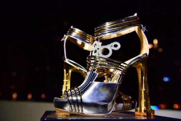 Đôi giày 20 triệu USD, đắt nhất thế giới có gì đặc biệt?