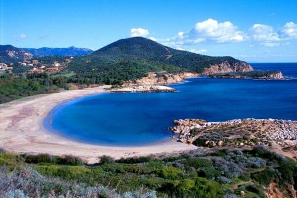 Du khách Pháp có thể bị phạt 6 năm tù vì trộm 40kg cát