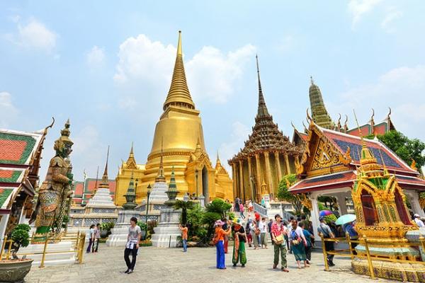 Du khách đến Thái Lan phải mua bảo hiểm tai nạn