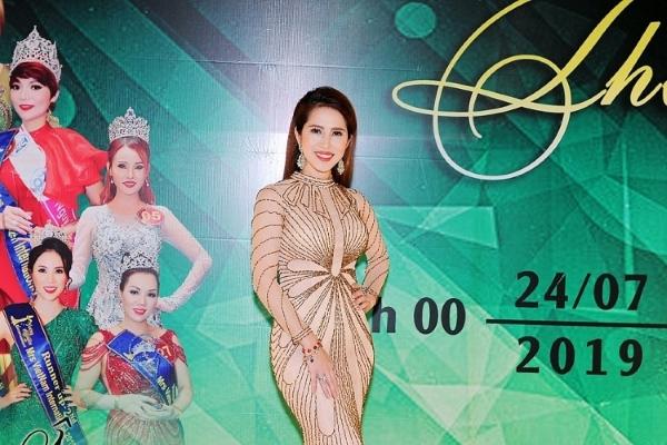 Hoàng Ny về nước mừng mùa giải mới của 'Mrs Universe'
