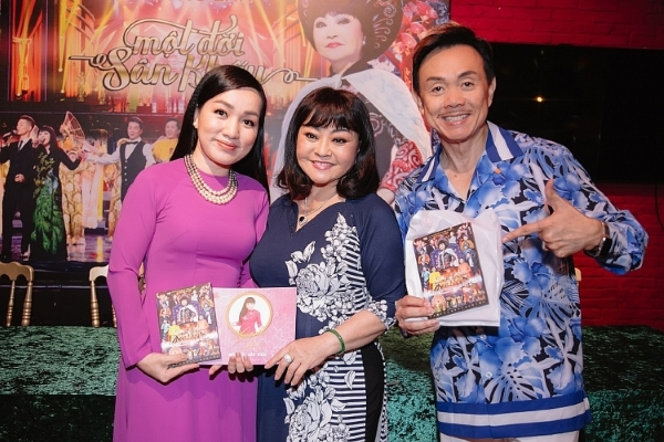 Danh ca Hương Lan ra mắt DVD 'Một đời sân khấu'
