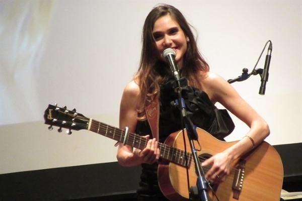 Ca - nhạc sĩ Joyce Jonathan: 'Vẻ đẹp của âm nhạc là lòng từ tâm'