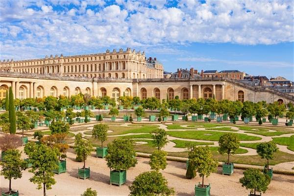 Trải nghiệm cuộc sống hoàng gia trong cung điện Versailles