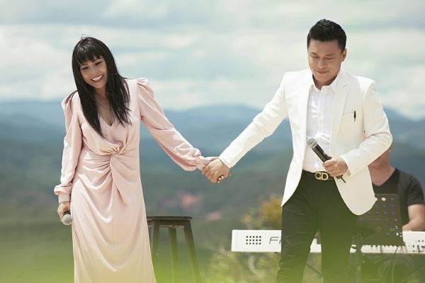 Ca sĩ Phương Thanh tiên đoán chuyện Lam Trường 'trễ hẹn' trên sóng