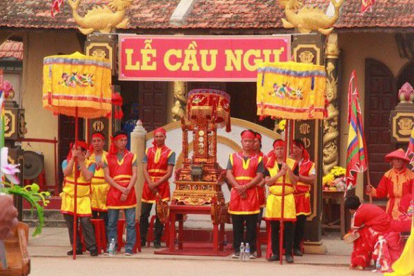 Lễ hội Cầu Ngư được trao bằng Di sản văn hoá phi vật thể Quốc gia