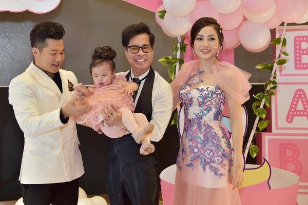 Ca sĩ Ngọc Sơn mừng sinh nhật con gái Lâm Vũ