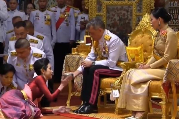 Thái Lan có Hoàng quý phi đầu tiên sau gần 1 thế kỷ