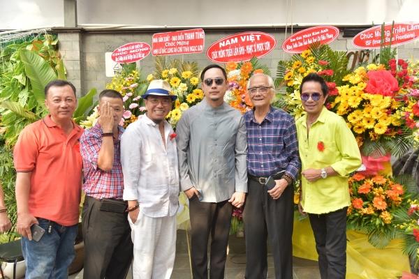 Thái Ngọc Sơn - Lữ Đắc Long triển lãm ảnh gây quỹ làm từ thiện