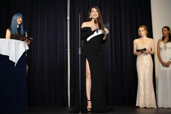 Trương Ngọc Ánh nhận giải Nữ diễn viên châu Á xuất sắc